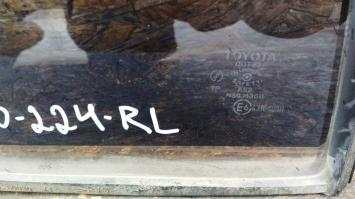 Стекло двери Toyota Land Cruiser Prado 90 R L 68114-60100