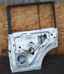 Дверь Mitsubishi Pajero 4 задняя правая белая 5730A484