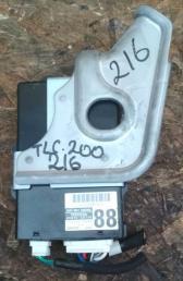 Блок ремней безопасности Toyota Land Cruiser 200 89815-60130