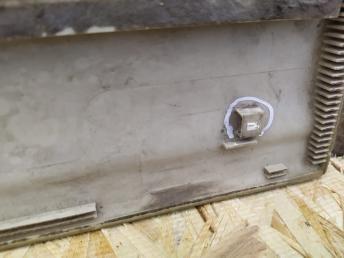 Молдинг двери Nissan Patrol Y61 02-04 г. F R 80870-VC801