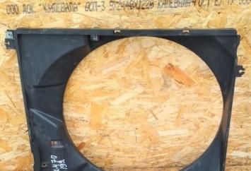Диффузор радиатора Lexus GX470 2UZ-FE 16711-50170