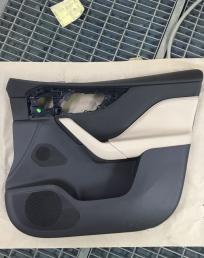 Jaguar F-pace обшивка двери передняя правая 2018 г t4A8068