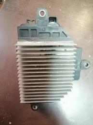 Блок управления радиатором Toyota Estima ACR40 4993003071