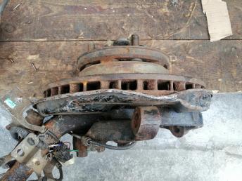 Кулак левый Toyota Land Cruiser 100 1HD
