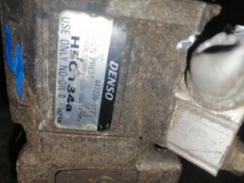 Компрессор кондиционера на MITSUBISHI CHARIOT GRANDIS N84W 4G64 4472204122 4472204122