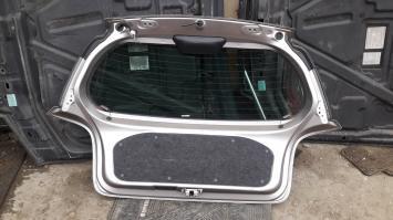 Дверь багажника Toyota Yaris / Vits 1