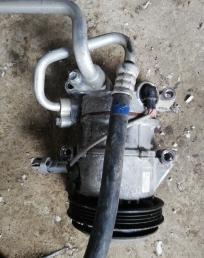 Компрессор кондиционера на Toyota Auris NZE181  4472806600