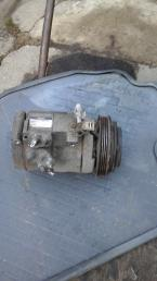 Компрессор кондиционера на Toyota LC 120 Prado 4472205191