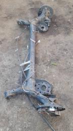 Балка задняя Toyota Yaris/Vitz 90 42110-52332