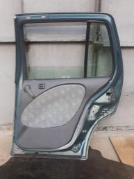 Дверь Toyota Raum 10
