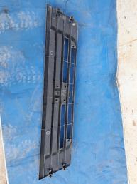 Решетка радиатора Nissan Caravan NE25 62310VW100