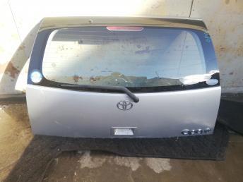 Дверь багажника Toyota Opa ZCT15