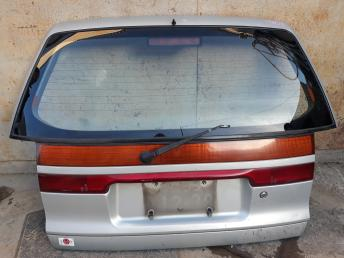 Дверь багажника Mitsubishi Space Wagon 2