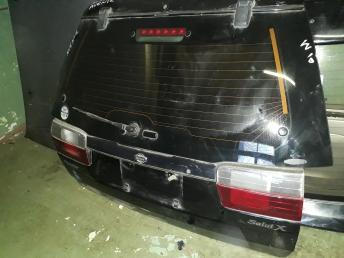 Дверь багажника Nissan Avenir w10