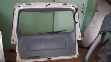 Дверь  багажника Toyota Estima
