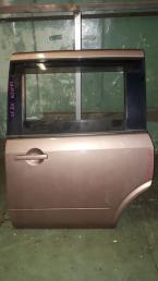 Дверь Nissan Lafesta