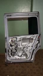 Дверь  Nissan Liberty