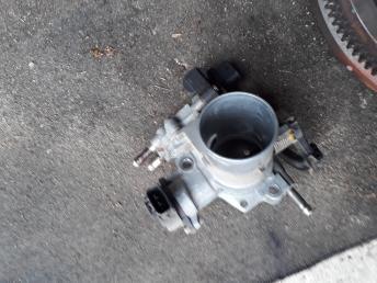 Дроссельная заслонка 2NZ Toyota