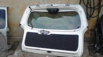 Крышка багажника  Toyota Probox