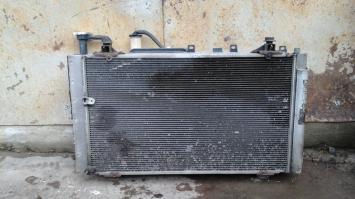 Радиатор  Toyota Prius 2