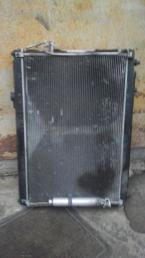 Радиатор Nissan Elgrand E51