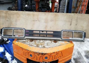 Решетка радиатора Toyota Dyna BU60