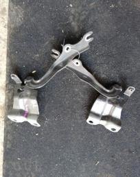 Петли капота Mazda 3 blew хэтчбек