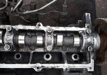 Головка блока цилиндров Mazda R2
