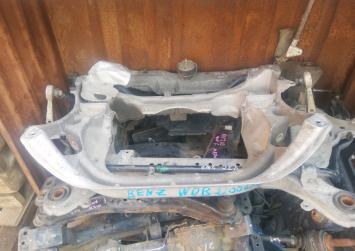 Балка подвески Mercedes W220/215