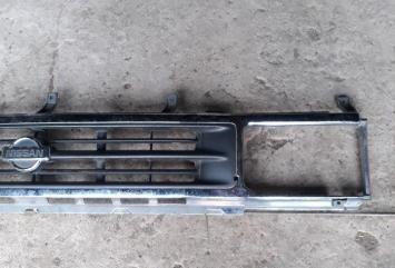 Решетка радиатора Nissan Terrano YD21