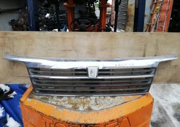 Решетка радиатора Nissan Elgrand E50