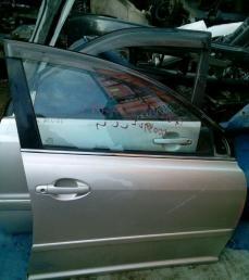 Дверь передняя правая Toyota Avensis 250 2003-2009