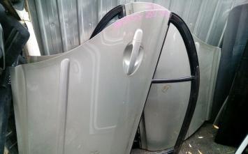 Дверь задняя седан Toyota Avensis 25 2003-2009