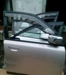 Дверь передняя правая Mitsubishi Dion CR6W
