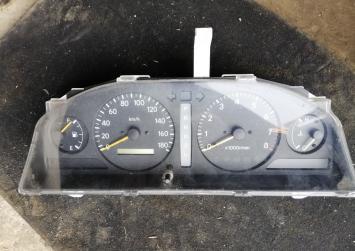 Приборная доска Toyota Ipsum 15