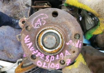 Привод передний Audi A3 8p 1k0407272. 1k0407272.