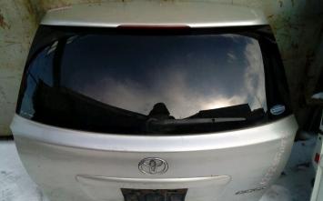 Дверь 5я Toyota Avensis 251