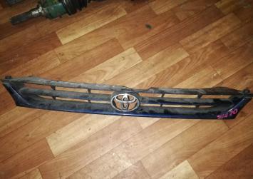 Решетка радиатора Toyota Camry/Scepter SXV15