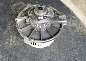Моторчик печки Toyota Caldina 190