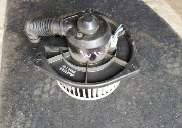 Моторчик печки Nissan Avenir W11