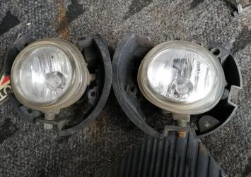 Туманка Mazda Demio DY3W