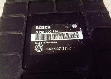 Блок упр. двигателя 1H0907311C VW Golf III ABS 1H0907311C
