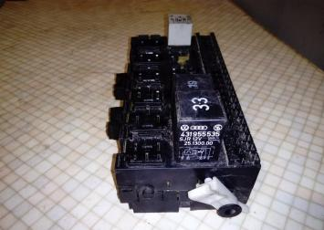 Блок предохранителей VW Passat B3 Golf III Sharan 357937039
