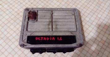 Блок управления двигателем Skoda Octavia 1.6 Siemens.5WP4