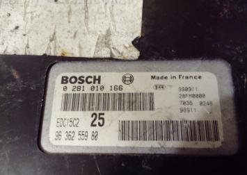 Блок управления двигателем Peugeot 406 2.0 HDI 0281010166