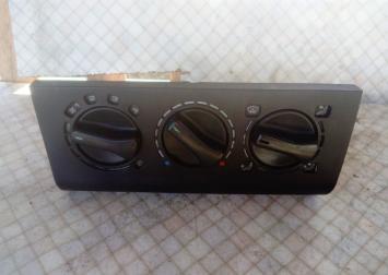 Блок управления отопителем VW Passat B3 Golf III