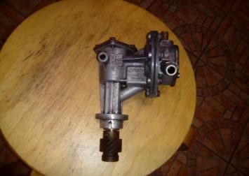 Насос вакуумный Pierburg для VW Passat B2 Audi