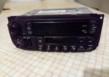 Магнитола для Chrysler Voyager/Caravan (RG/RS) P05064335AI