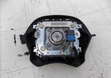 Подушка безопасности в руль Peugeot 406 99-04г 96303944ZL