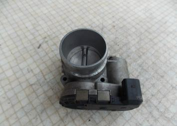 Заслонка дроссельная электрическая Passat B5A6A4